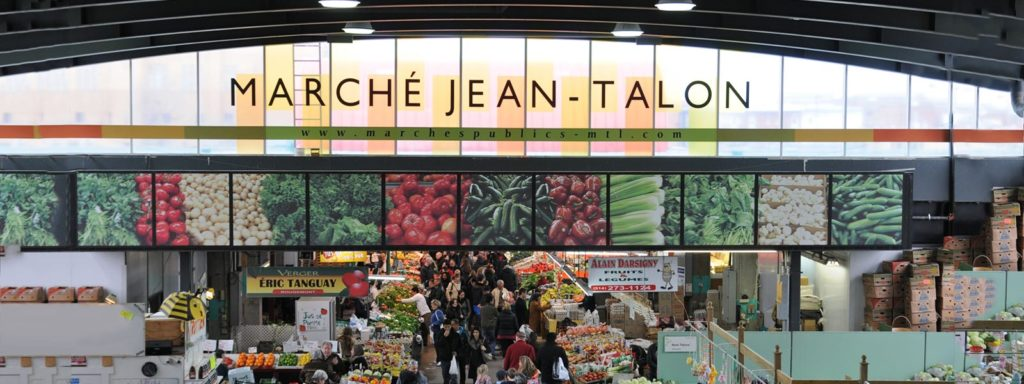 L'enseigne du Marché Jean-Talon à l'intérieur